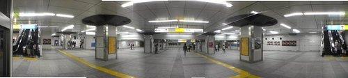 JR秋葉原駅構内の巨大空間