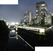 宵闇近い御茶ノ水駅