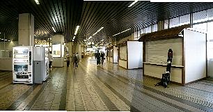12月12日の越後湯沢駅構内